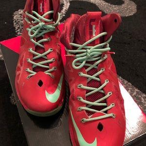 2744cfc3456 Shoes - Nike LeBron X Christmas university red 541100-600